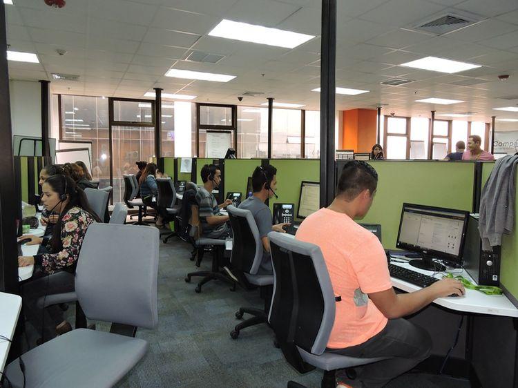 The results companies contratara 300 personas bilingues